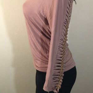 Bebe top with chain accessory